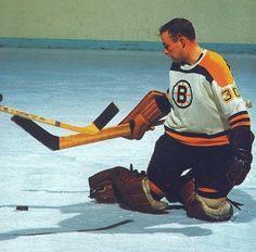 Gerry Cheevers ( informational link under construction. Ice Hockey Teams, Hockey Goalie, Hockey Games, Hockey Players, Hockey Stuff, Nhl, Boston Bruins Goalies, Boston Sports, Vancouver Canucks