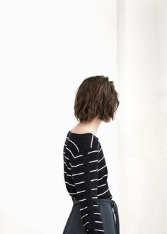 PREMIUM - Ribbed fine-knit sweater