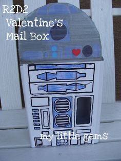 My Little Gems: Kid's Craft: Star Wars Valentine's Box {R2D2}