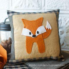 Sizzix Tutorial | Foxy-Loxy Pillow by Hilary Kanwischer