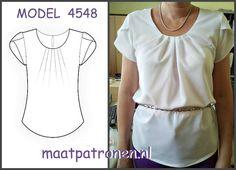 MAATPATRONEN Zijden blouse met tulpmouwen uit nieuwe assortiment. Bedankt voor dit mooi exemplaar!  MODEL N4548