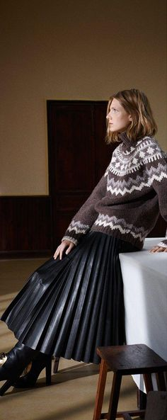 Celine Pre-Fall We couldn't think of a better cold-weather combo: the Fair Isle-knit sweater and leather pleated skirt is perfection in a polished, edgy package. Celine, Fashion Week, Fashion Show, Runway Fashion, Leather Fashion, Ready To Wear, Women Wear, Vogue, Street Style