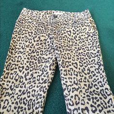 Banana Republic Ankle Pants Leopard Print Ankle Pants. Ankle slit. Comfortable Soft Brushed Material. Banana Republic Pants Ankle & Cropped