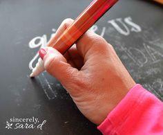 Perfect Chalkboard Lettering Chalkboard art: How to get perfect lettering every time!Chalkboard art: How to get perfect lettering every time! Chalk Writing, Chalkboard Writing, Chalkboard Lettering, Chalkboard Designs, Chalkboard Paint, Chalkboard Mirror, Chalkboard Drawings, Chalkboard Ideas, Chalkboard Calendar
