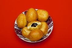 """Happy New Year! Even though it is almost 2 weeks after the Gregorian calendar marks the new year – January 13 is celebrated as Malanka – """"Old New Year's Eve"""" – i… Ukrainian Recipes, Ukrainian Food, Ukrainian Christmas, Cinnamon Twists, Round Cookie Cutters, Bread Recipes, Cake Recipes, Fresh Lemon Juice, Bite Size"""