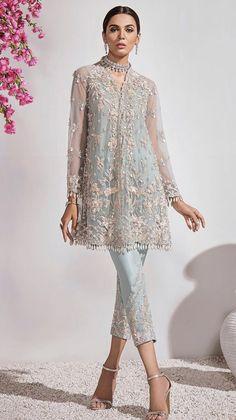 Pakistani Fancy Dresses, Pakistani Bridal Wear, Pakistani Dress Design, Pakistani Outfits, Indian Wedding Gowns, Desi Wedding Dresses, Wedding Outfits, Ethnic Outfits, Indian Outfits