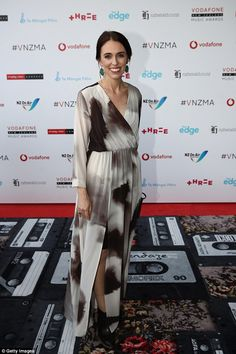 New Zealand Prime Minister Jacinda Ardern pregnant with first child Vogue America, Moving To New Zealand, Prime Minister, Girl Power, Dressing, Enemies, News, Children, Icons