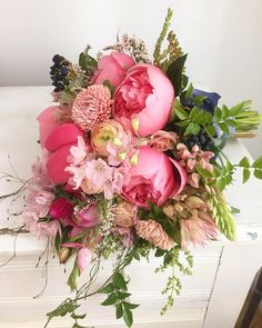 #weddingwednesday with our favorite #bouquet