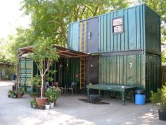 What an awesome shipping container cabin created out of five 20′ containers.