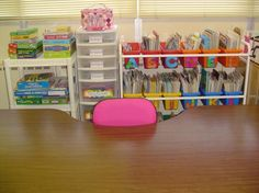 Guided-Reading-Table Love some of the organizational ideas in this classroom! Classroom Layout, Classroom Organisation, Teacher Organization, Classroom Design, Kindergarten Classroom, School Classroom, Classroom Management, Movie Organization, Classroom Ideas