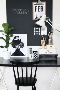 See how can set up an effective work from home workstation that works for you . home office ideas & inspiration . best office furniture and decor inspo Office Interior Design, Office Interiors, White Office Decor, Black Office Desk, Black Desk, Small Office, Workspace Inspiration, Office Workspace, Ceo Office