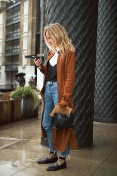 See All the Best Street Style From New York Fashion Week Waist Bag Outfits Fashion Street style Week York Mode Outfits, Fall Outfits, Fashion Outfits, Womens Fashion, Fashion Trends, Teen Outfits, Teen Fashion, Flannel Outfits, Fashion Hacks