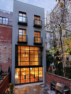 new york city townhouse rear view