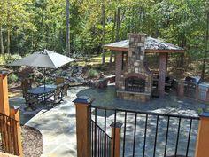 patio grande con chimenena cocina