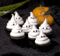 Marshmallow Ghost Cupcakes   http://let-them-eat-cake-and-icecream.blogspot.com/2011/10/marshmallow-ghost-cupcakes.html