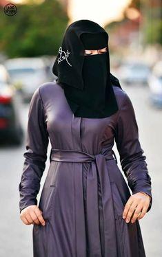She is hot Niqab Fashion, Modern Hijab Fashion, Muslim Fashion, Fashion Dresses, Hijab Niqab, Muslim Hijab, Hijab Chic, Beautiful Arab Women, Beautiful Hijab
