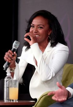 """Actress Kelly McCreary speaks onstage during the """"Three rounds with the cast of Grey's Anatomy"""" panel at Entertainment Weekly's PopFest at The Reef on October 2016 in Los Angeles, California. Get premium, high resolution news photos at Getty Images Preston, Stephanie Edwards, Kelly Mccreary, Jackson, Greys Anatomy Cast, Love Island, Grey's Anatomy, Actresses, Celebrities"""
