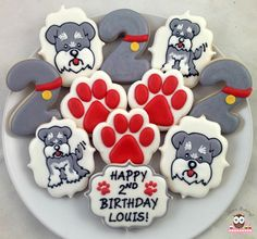 Paw print cookies, schnauzer cookies, cookies for dog, puppy cookies, dog cookies Cat Cookies, Iced Sugar Cookies, Sugar Cookie Frosting, Cookies For Dogs, Dog Cupcakes, Cupcake Cookies, Homemade Dog Cookies, Kawaii Dessert, Dog Biscuit Recipes