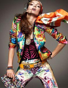 Carola Remer para Vogue Alemanha Janeiro 2012 (via ♥ ♥ mundo maravilhoso de cor)