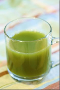 Green Lemonade  3 cups of spinach 1 lemon  1 cucumber  1 pear  1 gala apple