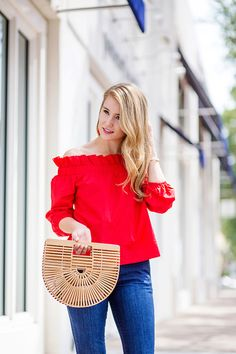 Lonestar Southern is a Dallas fashion blog by Kate Padgitt that offers classic, southern style with a dash of current trends to everyone from the college student to the young professional.