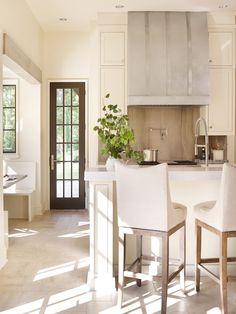 Cottage kitchen feat