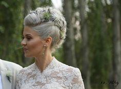 How-To Hair Girl | Bridal Air Plant Hawk--this is gorgeous!!
