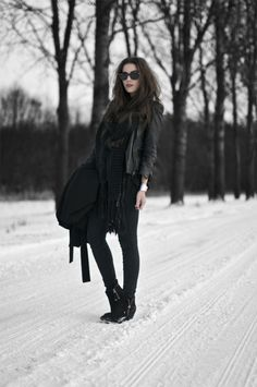 what-do-i-wear: BOOTS: TOPSHOP, JEANS: CHEAP MONDAY, TOP: H TREND, LEATHER JACKET: ZARA (image: comeovertothedarkside)