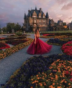 Garibaldi Castle by on IG Foto Fantasy, Fantasy Dress, Fantasy Photography, Girl Photography Poses, Paris Photography, Travel Photography, Princess Aesthetic, Aesthetic Girl, Foto Picture