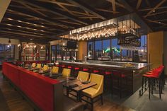 luxury-restaurant-design-redwood-grille-santa-monica-los-angeles-adelto-00