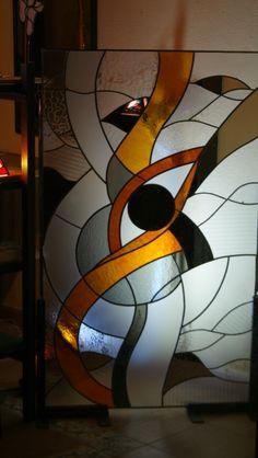 Vitrall de plom i vidres de textures i catedrals antics.Mides 120cm.x 90 cm. Taller VITRIC www.vitrallsvitric.com