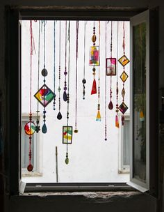 Kitchen Window Boho Beaded Curtains 68 Ideas For 2019 Mosaic Glass, Glass Art, Stained Glass, Mosaic Mirrors, Mosaic Wall, Sea Glass, Diy And Crafts, Arts And Crafts, Cd Crafts