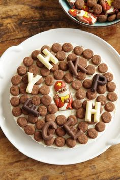 No-Bake Sinterklaas Monchoutaart Always Hungry, Dutch Recipes, Christmas Cookies, Foodies, Cereal, Food And Drink, Cake, Breakfast, Party