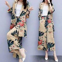 1 million+ Stunning Free Images to Use Anywhere Muslim Fashion, Modest Fashion, Hijab Fashion, Fashion Dresses, Stylish Work Outfits, Stylish Dresses For Girls, Casual Dresses, Batik Fashion, Fashion Sewing