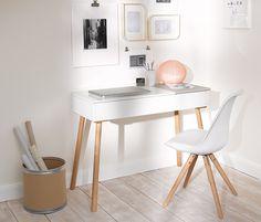 Sekretär und Stuhl <3