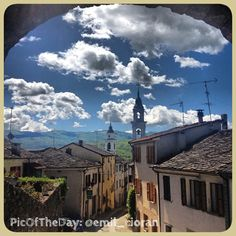 """La #PicOfTheDay #turismoer di oggi ci porta a #Compiano in #ValTaro, provincia di#Parma, un piccolo borgo medievale tra """"i più belli d'Italia"""" Complimenti e grazie a @emil_cioran"""