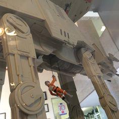 No se pierdan Expo Star Wars, hasta el 18 de diciembre, en el Museo Interactivo de Tecnología Aplicada MITA, vestíbulo de la Facultad de Ingeniería. Entrada libre.