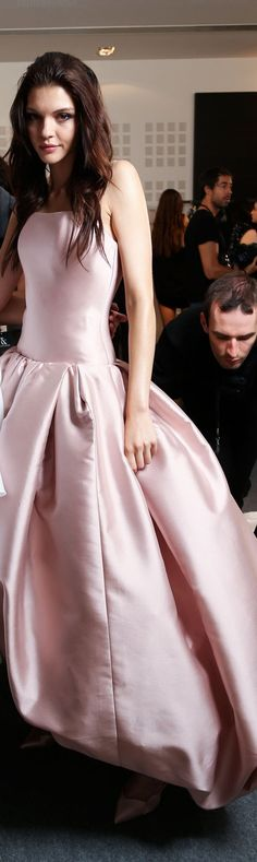 Ralph Russo Fall 2015 couture Backstage Big Girl Fashion, Pink Fashion, Sexy Dresses, Pink Dresses, Formal Dresses, Ralph And Russo, Pretty Outfits, Pretty Clothes, Glamour