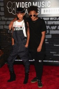 Willow & Jaden Smith - MTV VMAs 2013 Red Carpet: Photo Willow Smith and her older brother Jaden hit the red carpet at the 2013 MTV Video Music Awards held at the Barclays Center on Sunday (August in Brooklyn, N. Willow Smith, Celebrity Moms, Celebrity Style, Celebrity Outfits, Jaden Smith Fashion, Mtv Video Music Award, Music Awards, Mtv Music, Brooklyn