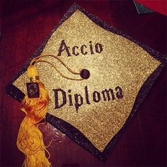 Must-see DIY #HarryPotter graduation cap ideas