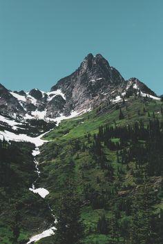 Definitely looks like our friendly, local #Cascades mountain range here in #WA