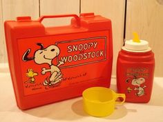 Vintage Complete Snoopy Lunchbox and Original Drink Thermos 1980s Childhood, My Childhood Memories, Retro Toys, Vintage Toys, 70s Toys, Children's Toys, 1980s Kids, Vintage Lunch Boxes, Snoopy Toys