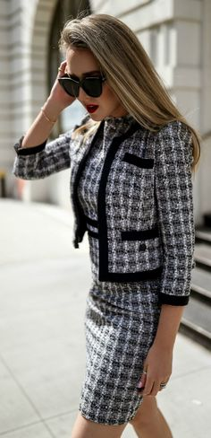 the matching set thatll make you love workwear again navy boucle and cotton blend jacket with grosgrain trim and half sleeve length matching boucle sheath dress b - The world's most private search engine Fashion Mode, Work Fashion, Spring Fashion, Fashion Trends, Classic Fashion, Fashion Ideas, Elegance Fashion, Classic Style Women, Fashion Styles