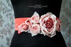 """Пояс с цветами """"Сновидения"""". Цветы из шелка. - коралловый,пояс свадебного платья"""