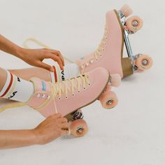 Make the sidewalk sizzle! Our quad skates are made from high quality components, so you can feel good skating the streets or rink in style with your skate squad. Pink Roller Skates, Roller Skate Shoes, Quad Skates, 4 Wheel Roller Skates, Disco Roller Skating, Outdoor Roller Skates, Ice Skating, Figure Skating, Patins Oxer