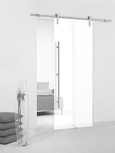 Puerta corredera de cristal Casali de Maydisa. Modelo: System White Transparente