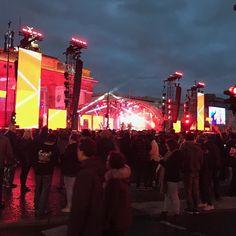 #silvester #wilkommen2018 #berlin #superparty #benzucker @ben_zucker_musik lagde ud på #zdf delen og var suveræn #superoplevelse #berliner #berlin #silvesterparty #loveberlin #loveberlin #deutschland #brandenburgertor #festmile  #berlinerblogdk @berlinerblog.dk #iberlin