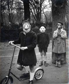 Agnès Varda, Enfants masqués, 1953.