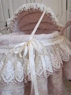 how to put a baby bassinet together