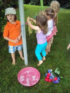 Kids clothes line for play